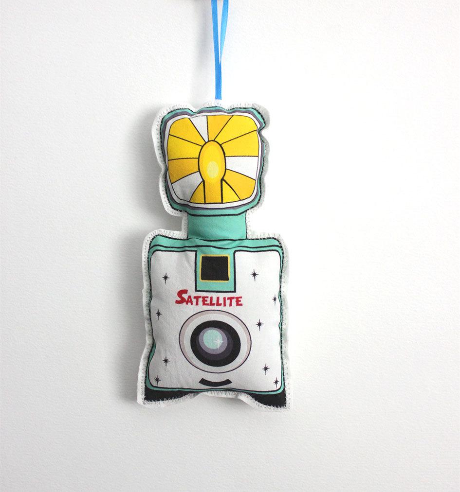 hanging camera pillow design